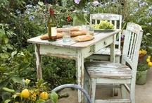 Garden feasting and picnics
