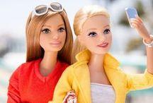 Barbie e suas amigas bonecas <3