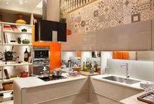 Ladrilho hidráulico / Na cozinha, no banheiro, na lavandeiria, os ladrilhos hidráulicos deixam qualquer ambiente mais charmoso e cheio de vida!