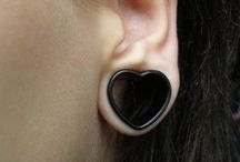 STRETCHED EARS // PIERCINGS