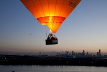 Hot Air Balloon Over Melbourne / As one of Melbourne's premier tour operators, Balloon Flights Over Melbourne would love to share with you the stunning panoramic views that our beautiful city has to offer from the air. Take pleasure from the serene spectacle of Melbourne waking gently at sunrise, then quickly transforming into a bustling metropolis of over three million people.