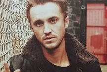 "Tom Felton / Thomas Andrew ""Tom"" Felton (born 22 September 1987) is an English actor and singer. Harry Potter - Draco Malfoy"