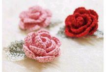 Crochet flowers / Fiori all'uncinetto, schemi e tutorial