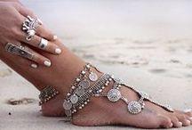 ACCESSORIES / Love accessories, love fashion