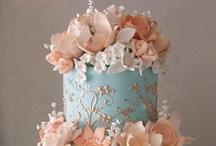 Cakes..... / by Marisol Aparicio Bridal