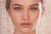 Make Up Looks! / Several Full Make-Up Looks to draw inspiration from!