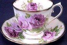 Tea cups & Tea pots  / by Yolanda Guzman