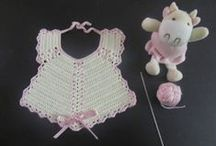Babetes em crochet e não só...  (Baby Bib) / Babetes em crochet para bebé feitas à mão (baby bib crochet handmade)