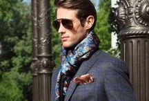 Der romantische Typ als Mann / Kleidung, outfit Kombinationen und Accessoires für den romantischen Mann. Sein erlesener Geschmack erlaubt ihm ein eher sattes, luxuriöses Image zu pflegen. Er sit ein Genießer und legt viel Wert darauf, dass er vorteilhaft gekleidet ist.