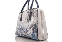 Lisa Ryder Accessories / Handbags and scarves with a twist