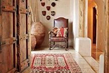 Southwest Style paired with Oriental rugs / Some great ideas on how to incorporate oriental #rugs in to contemporary #Southwestern spaces.