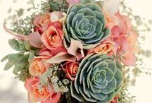 Wedding Flowers / Floral design, centrepiece, and bouquet inspiration for your wedding day.