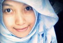 model hijab / -,-