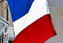 Ma france, / Ma france,avec toutes ses belles choses et les moins belles,mais C'est mon pays.
