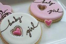 cookies & cupcakes / by Nava Ashouri