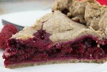 Sugar Free Pie Recipes / Pie recipes sweetened only with fruit, no refined sugar, and baked in a whole wheat crust.