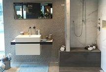 Natuurlijke badkamers Intermat / Een natuurlijke beleving! Hout, marmer, natuursteen en een natuurpatroon. Alles verwerkt in een keramische tegel. Haal de natuur in huis!