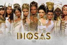 Colección: Diosas / Compuesta por 9 muñecas inspiradas en diosas de múltiples culturas, a través del blanco y el dorado