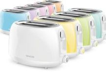 Pastels Toasters / PICK YOUR FAVORITE COLOR  Outstanding kitchen help. It can toast in six ways and never burns the bread.. It does the thinking for you. Click on the toaster color you like best, and the appliance will appear in all its beauty.