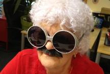 Mamie Lucienne / Lucienne du Grand Journal est la Mamie de la Tribu ! Elle répond à toutes les questions d'enfants, ça décape !