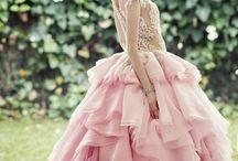 Dresses / by Nicole Lao