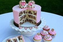 ✦ Daily Cake & Pie World ✦ / Ooh delicious cakes and pies! ♡ nom nom nom ;-D Feel free to invite your friends through the invite option. Have fun and happy pinning! \(^◡^ )/
