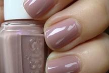 Nails Nails Nails / by Charlene Espinoza