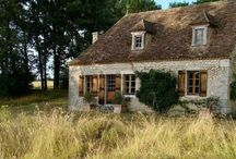Cottage House ~ Tiny House / Small and cute; Charming and sweet. Living large in a size that fits my style.