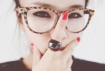 Óculos / Tudo fica mais charmoso com óculos, até mesmo a miopia!