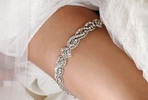 Bridal Garters / www.katherinecourtney.com