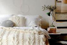 Winter / Decoración y complementos para el hogar de estilo invernal. Mantas, chimeneas, salas de estar acogedoras, habitaciones y estancias preparadas para el frío.