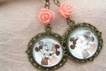 Glass cabochon picture earrings
