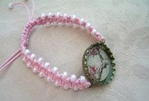 Bottle cap bracelets / https://www.facebook.com/media/set/?set=a.528476980578514.1073741852.471981116228101&type=3