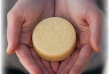 Moon Melt Lotion Bars / Our Moon Melt Lotion Bars are decadent moisturizers empowered by the soothing properties of Calendula and Comfrey to restore dry skin.  These herbs are combined with our beeswax to naturally seal in moisture twice as long as water-based moisturizers and allow the curative herbs to work their wonders.  MOON MADE~with care in WA state~Gluten-Free~Box is made from 100% Post Consumer Recycled materials~USDA Certified Organic~Lets Recycle!