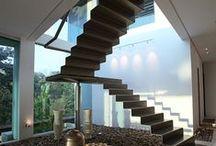 Escaliers / Modernes, inusités, de formes et de matériaux variés, avec de tels escaliers, le sommet n'est jamais bien loin!