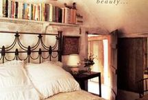 GUEST room / library