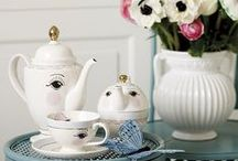 Piękna porcelana / Cute dishes and other. I'd love to have them all one day. :)