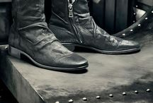 Shoes... / ...of any kind. Black, white, boots, sneakers, leather or rubber, doesn't matter. It's all here.