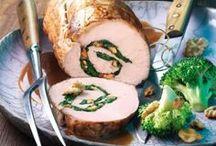 Happy Thanksgiving / An Thanksgiving versammeln sich Familien um den Tisch und genießen zusammen tolles Essen. Probier doch auch mal Amerika´s Wohlfühl-Rezepte, natürlich mit kalifornischen Walnüssen!