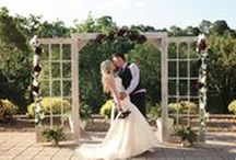 Riverside Events at Ridgefield - Tri-Cities Wedding Venue / Riverside Events at Ridgefield is an indoor & outdoor venue spaces.  With breathtaking views of the river, golf course, and mountains, you will discover this an elegant setting for your wedding, reception, and rehearsal dinner.  With it's classy, elegant country club setting, they can transform the Riverside Events at Ridgefield from casual to formal.   Their venue can accommodate any size event, with the grand ballroom seating up to 250 guests. Contact them: (423) 246-2500