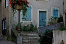 Découvrez le centre de Foix / les ruelles médiévales réservent souvent de belles surprises.