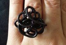 Rose Acidulé / J'adore créer des bijoux et autres choses. Je vous les faits partager sur ce réseau. Découvrez moi et mes créations sur www.roseacidule.ch
