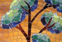 Mosaico / Arte con trozos de vidrio etc. / by Maria Eugenia Velez