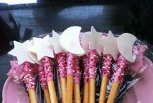 Girls Party Ideas / Fun and cute candy treats, decoration ideas and game inspiration for a girls party.