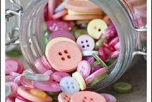 botones = buttons / by Asunción Subiza