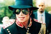 Michael jackson❤️ / by Olivia Muchal