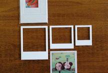 Clicks / Tres marcos imantados tipo polaroid para poner tus imágenes preferidas en la heladera, se pueden escribir con marcador de piazarra y vienen con ilustraciones de artistas invitados.