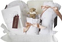 Canastillas / Regalos originales para recién nacidos, regalos para bebés, canastillas para nacimiento, tartas de pañales, bolsos de carro personalizados, regalos personalizados para bebés, mantas bordadas con el nombre del bebé y... ¡mucho más!