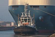 Rimorchiatori, tug boats