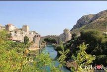 Mostar - Bośnia i Hercegowina / Stare miasto w Mostarze, Kamienny Most i jego przepiękne okolice. Więcej o Mostarze przeczytacie tutaj: http://CroLove.pl/tag/mostar/